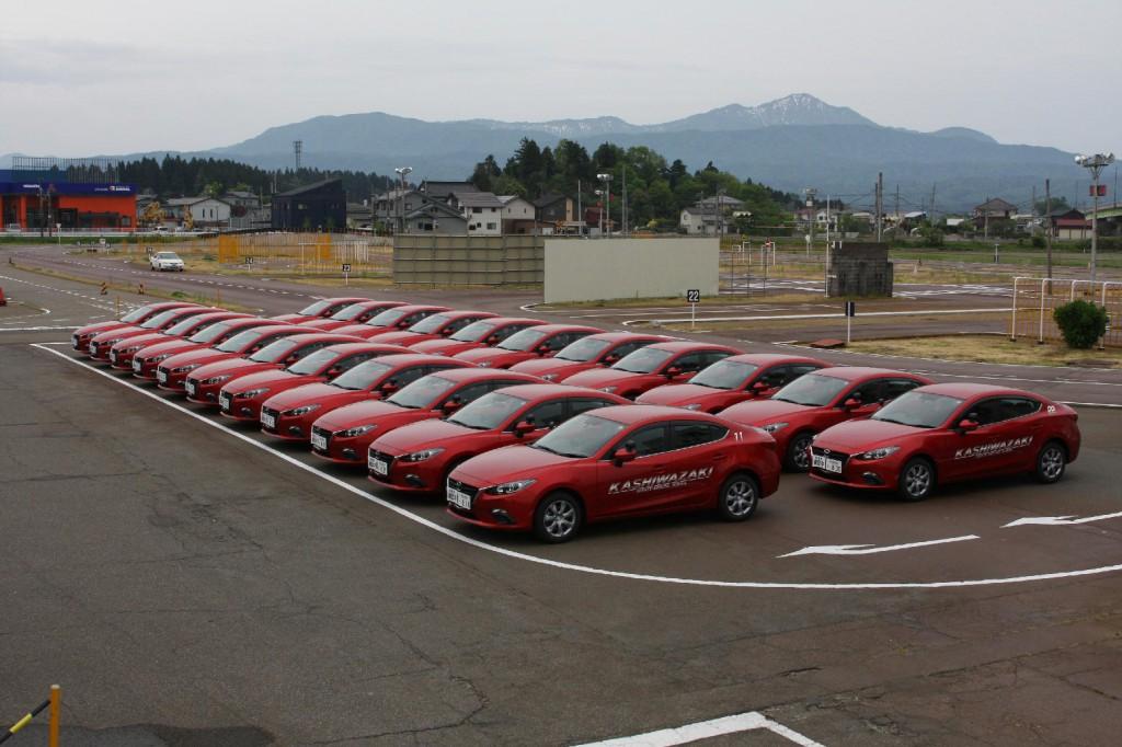 新型アクセラ教習車@柏崎自動車学校様