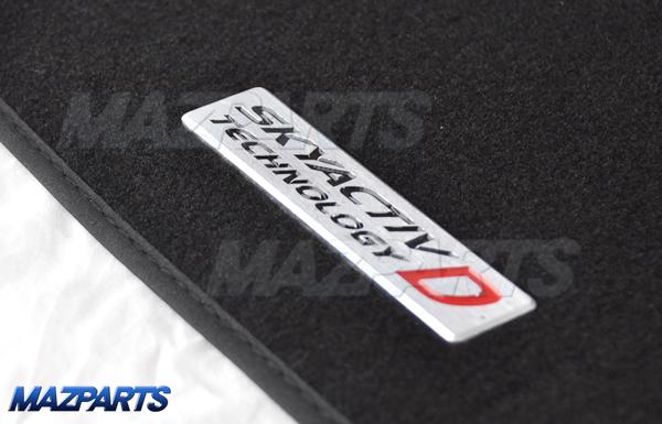 オーストラリアマツダのNCロードスター、BMアクセラ向け新商品。フロアマット2種類で、アクセラはSKYACTIV-Dロゴ入り!