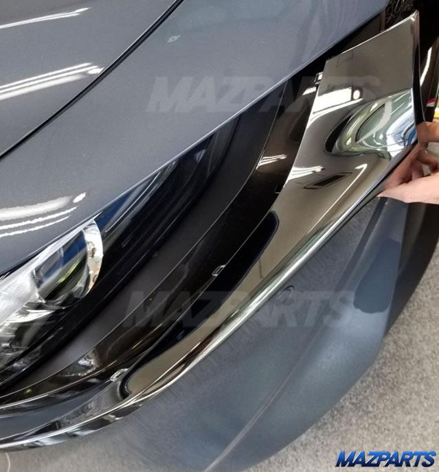 新商品!MAZDA3用ブラッククロームフロントグリル、まずはセダン用から。