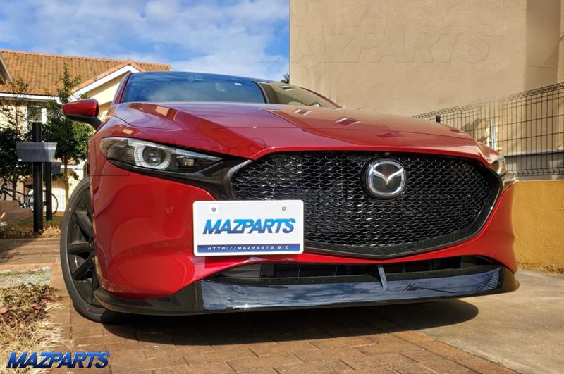 本年もよろしくお願いします!&Mazda3/マツダ3用のセンターコンソールトレイを抽選で1名様にプレゼント
